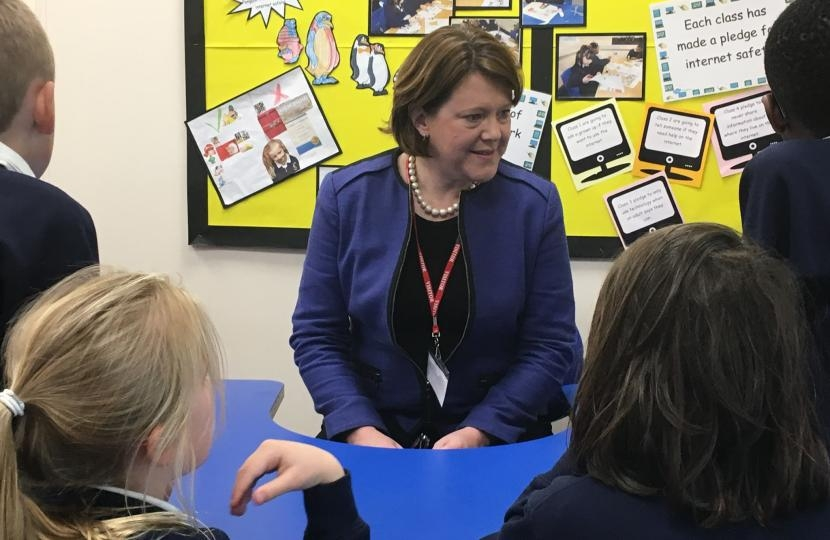 Maria meets students at Oakridge Infant School